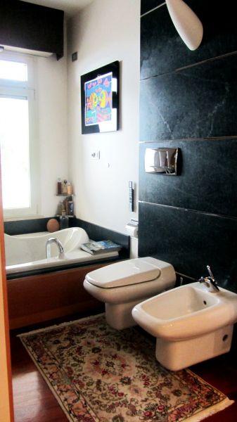 Villino in castello di borgo nella repubblica di san marino segni d 39 interni - Titan bagno san marino ...