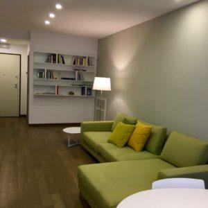 Ingresso Libreria Relax Divano Pranzo Tavolo Appartamento Centro Ravenna