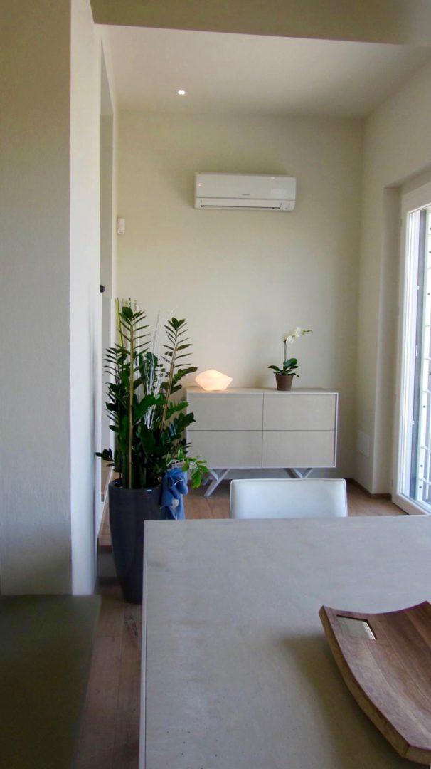 Cucina Con Penisola E Sala Da Pranzo In Residenza A